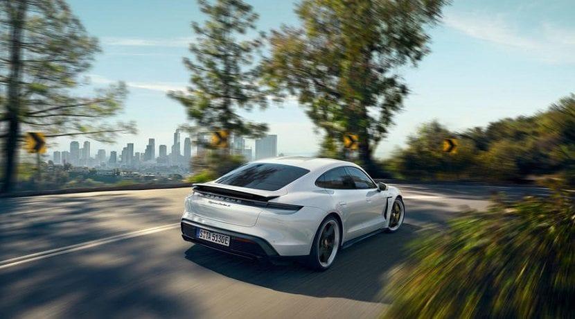 El comportamiento en curva del Porsche Taycan