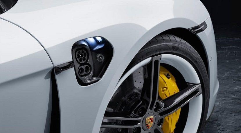 Toma de carga del Porsche Taycan
