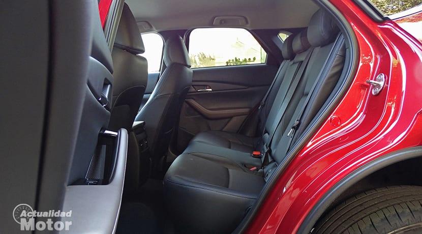 Espacio plazas traseras del Mazda CX-30