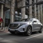 Prueba Mercedes EQC perfil delantero
