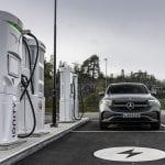 Mercedes-Benz EQC cargando