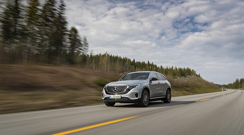 Prueba Mercedes-Benz EQC dinámica