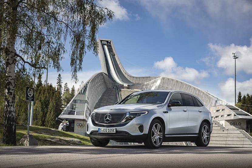 Prueba Mercedes EQC perfil