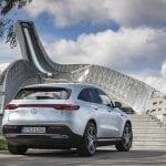 Prueba Mercedes EQC perfil trasero