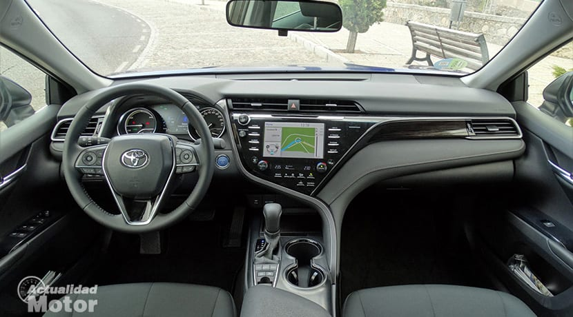 Prueba Toyota Camry salpicadero