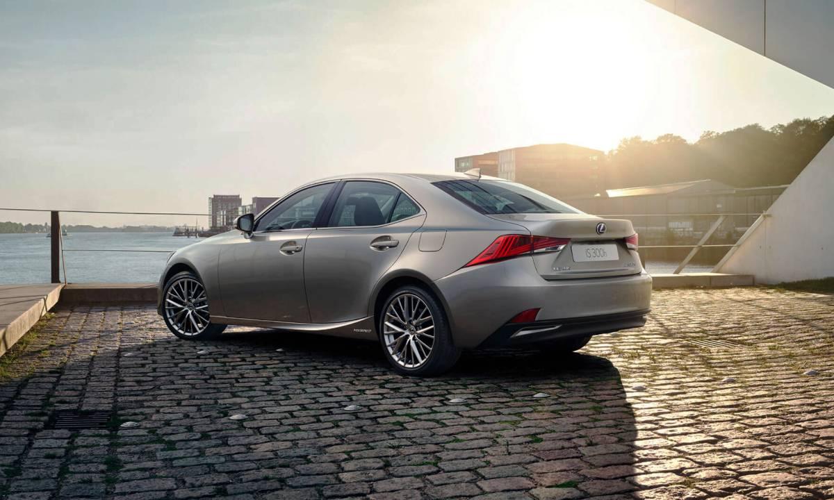 Lexus IS rear