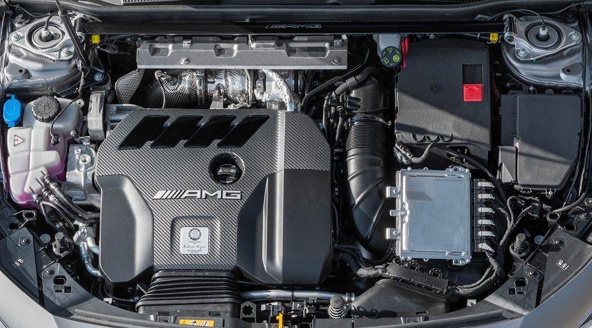 Motor del Mercedes AMG A 45 S 4Matic+, que llevará en versión electrificada el futuro C 63