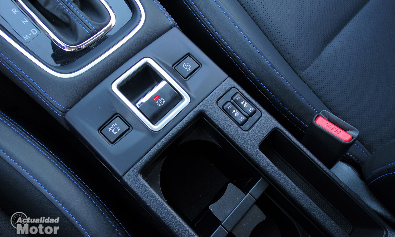 Prueba Subaru Levorg mandos y botones de la zona central