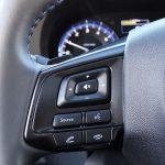 Subaru Levorg botones volante