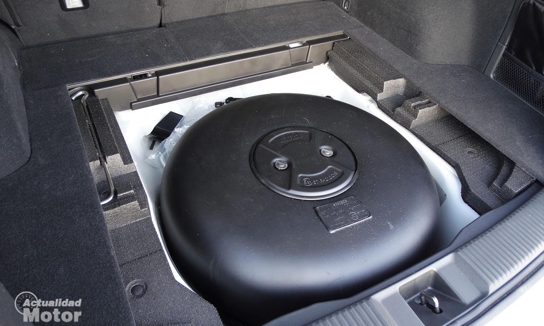 Prueba Subaru Levorg depósito de GLP bajo el maletero