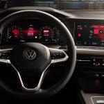 Volkswagen Golf mk8 volante y pantallas