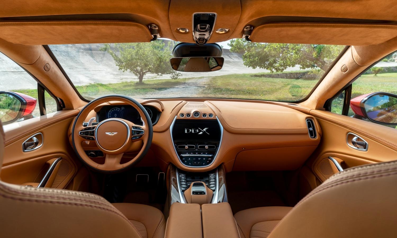 Aston Martin DBX 2019