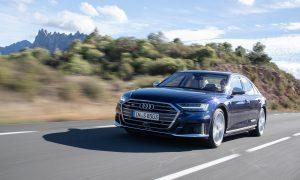 Audi S8 dinámica delantera