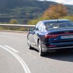 Audi S8 dinámica trasera