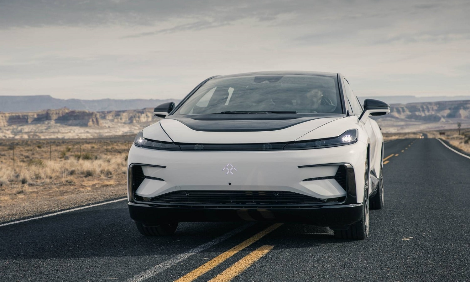 Faraday Future FF 91 de color blanco
