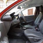 Plazas delanteras del Opel Corsa