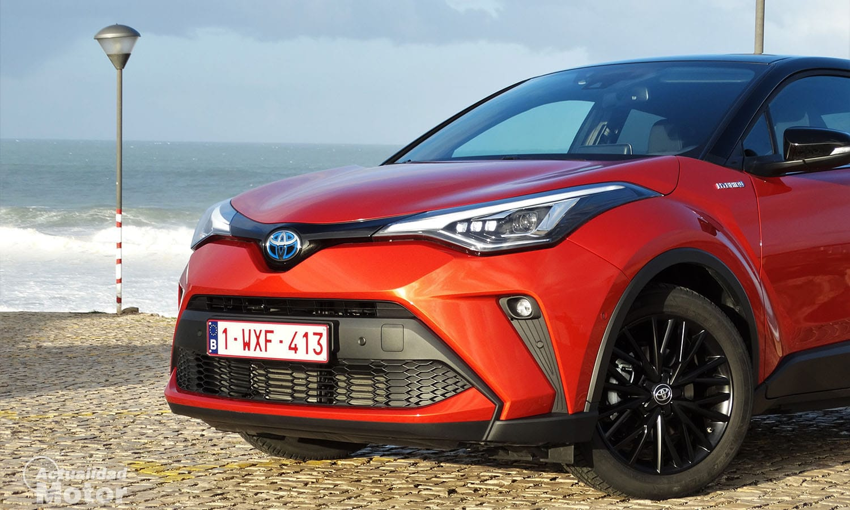Prueba Toyota C-HR 2.0 hybrid 184 CV detalle frontal