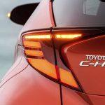 Prueba Toyota C-HR piloto de LED