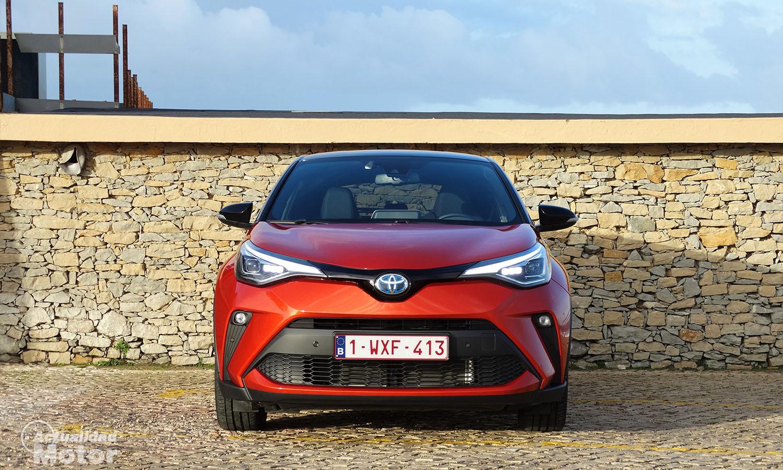 Prueba Toyota C-HR 2.0 hybrid 184 CV frontal
