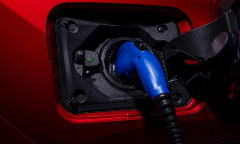Toma de carga del Toyota RAV4 Prime PHEV