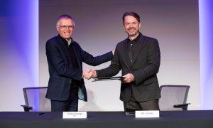 Grupo FCA (Mike Manley) - Grupo PSA (Carlos Tavares) fusión