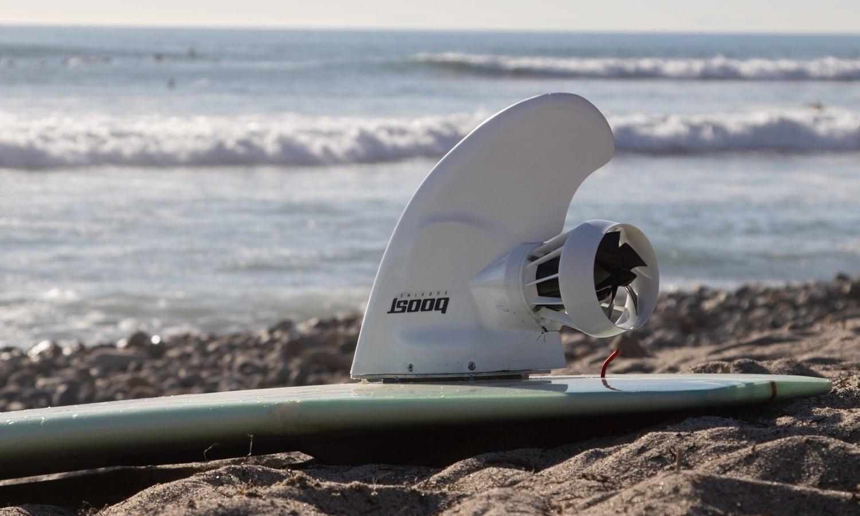 Convertir una tabla de surf en eléctrica con un kit
