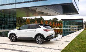 Opel Grandland X Híbrido Enchufable 4x2 perfil trasero
