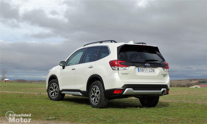 Prueba Subaru Forester Eco Hybrid perfil trasero