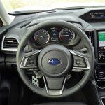 Volante nuevo Subaru Forester híbrido