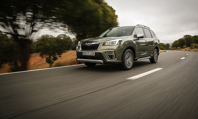 Prueba Subaru Forester Eco Hybrid dinámica delantera