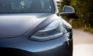 Faros del Tesla Model 3