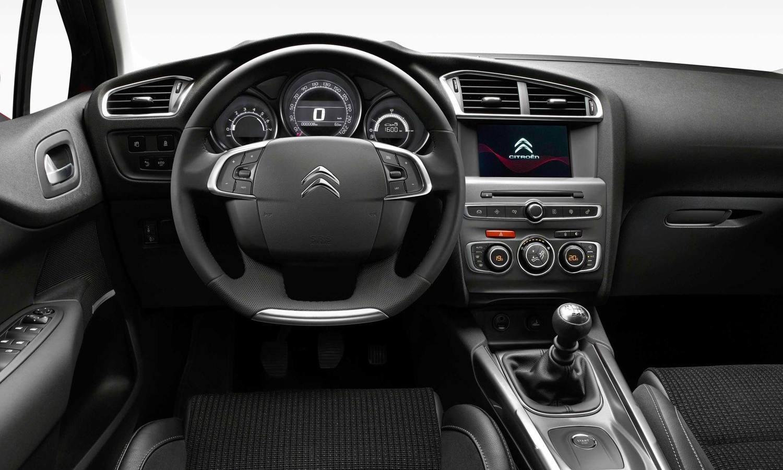 Citroën C4 hatchback inside
