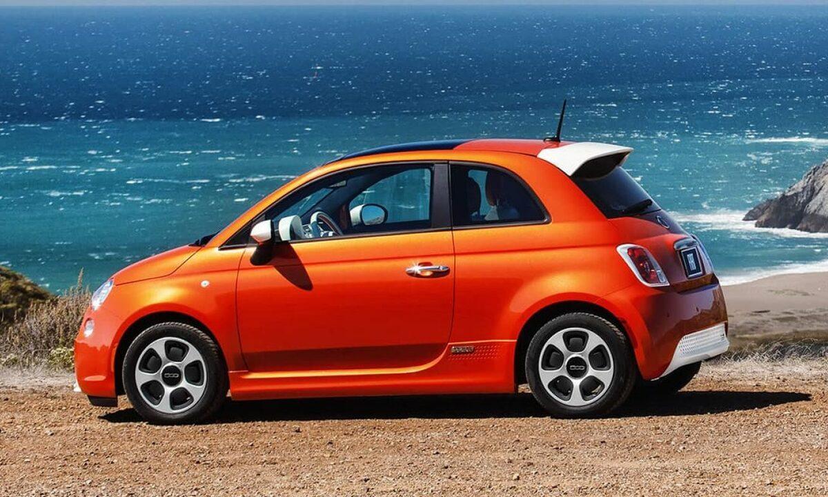 Fiat 500e USA side