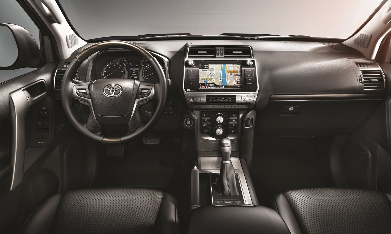 Toyota Land Cruiser 2018 inside