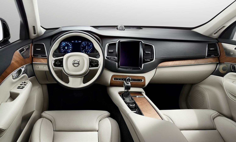 Volvo XC90 inside