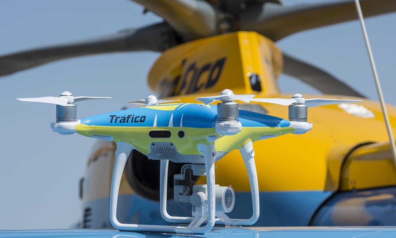 Dron y helicóptero Pegasus de la DGT