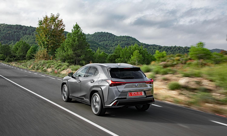 El Lexus UX es un SUV híbrido con mucho estilo