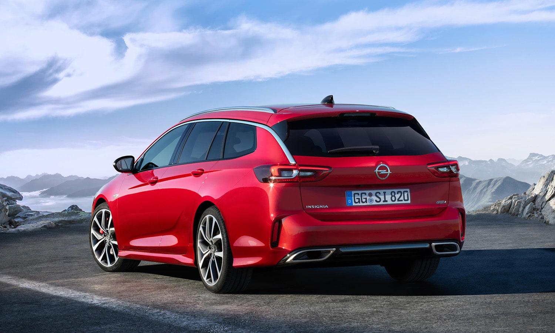Opel Insignia GSi familiar parte trasera