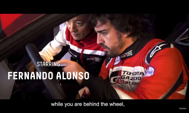 Fernando Alonso prueba el nuevo Toyota GR Yaris