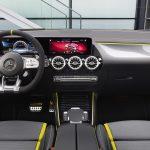 Mercedes-AMG GLA 45 S interior