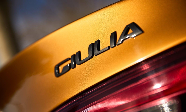 Inscripción trasera Giulia Alfa Romeo