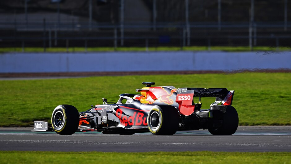 Red Bull RB16 trasera