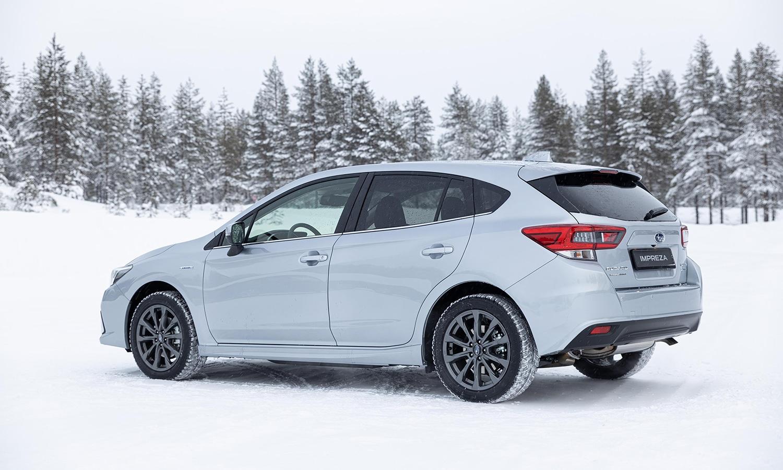 Subaru Impreza Eco Hybrid perfil trasero