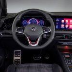 Puesto de conducción del Volkswagen Golf GTI 2020