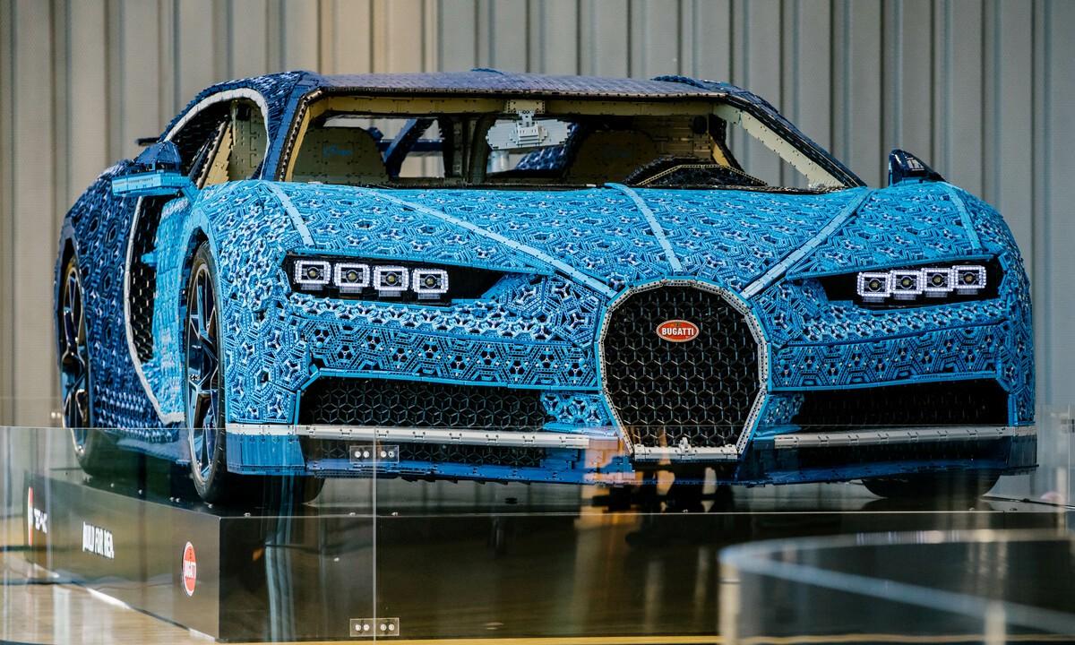Bugatti Chiron - Lego Technic natural form