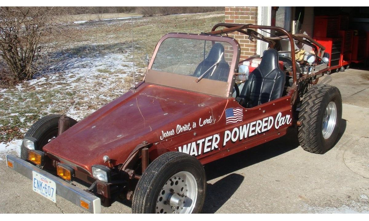 Coche equipado con motor de agua ideado por Stanley Allen Meyer