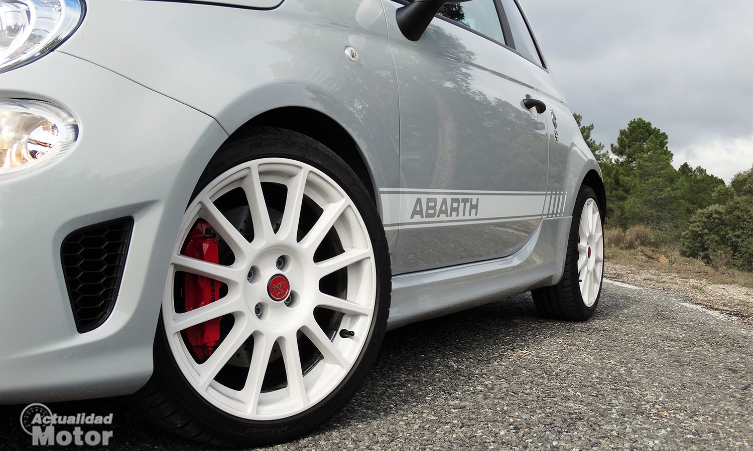Detalle lateral Abarth 595 Esseesse