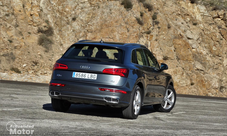 Prueba Audi Q5 55 TFSIe perfil trasero