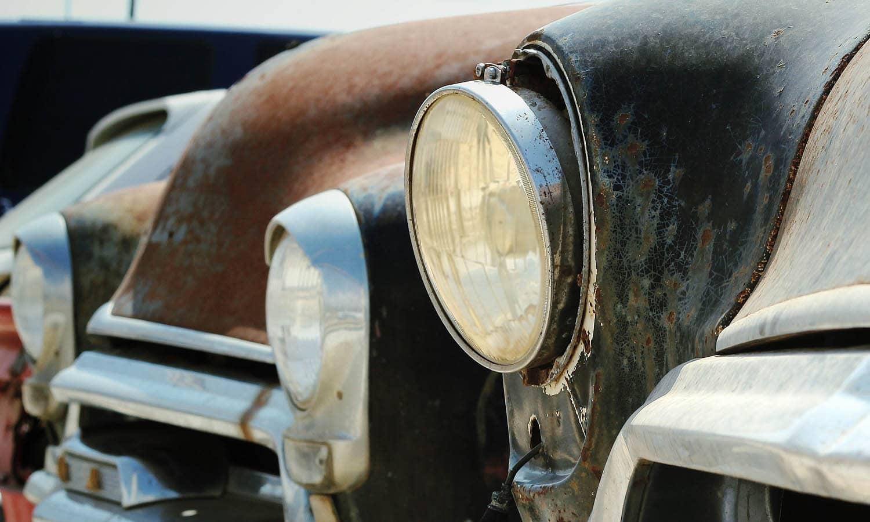 Unos faros opacos son un problema común en los coches viejos