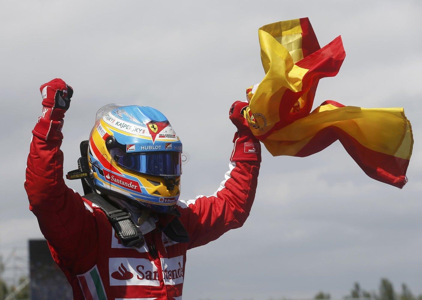 Fernando Alonso en Ferrari, bandera de España